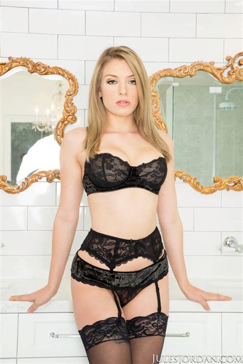 Hot Teen Latitudinarian Giselle Palmer Overage Not Far