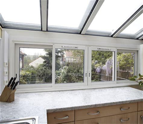 cuisine sous veranda veranda cuisine encastrée en île de