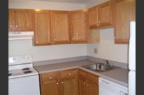luxury kitchen cabinets eagles landing apartments 3911 brown ave manchester 3911
