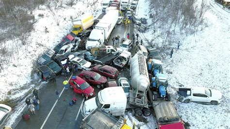 One Dead In Pileup During Snow Squall On I-81 In