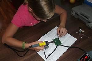 Schreibtischlampe Für Kinder : l ten f r kinder schreibtischlampe mit klatschsensor selbst gebaut ~ Frokenaadalensverden.com Haus und Dekorationen
