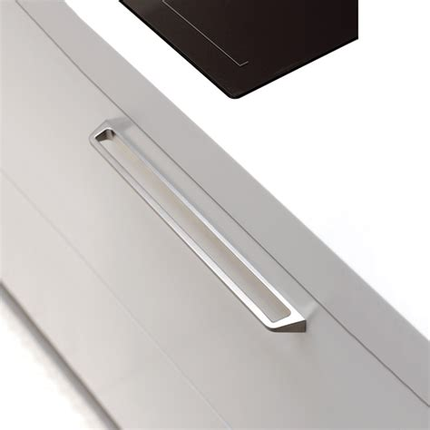 poignee pour meuble de cuisine comment choisir sa poign 233 e de cuisine renovation et decoration
