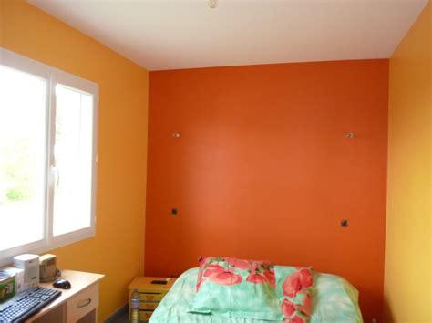 quelle couleur mettre dans une chambre choix de rideaux