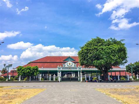 keraton yogyakarta bangunan indah penuh sejarah