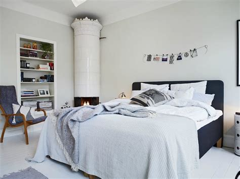 decoracion de interiores cuarto blanco  azul marino