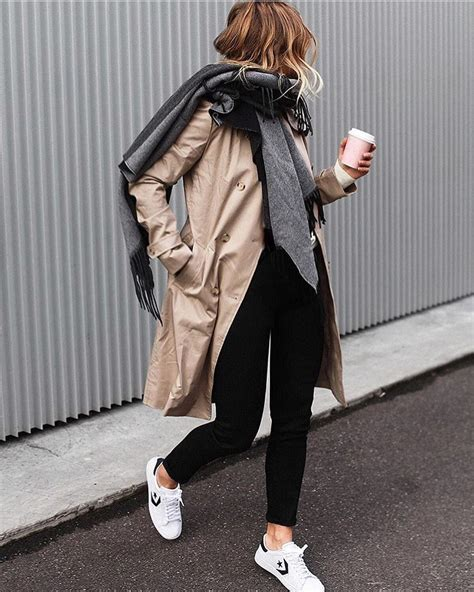 How Style Beige Trench Coat With Oversized Grey Scarf