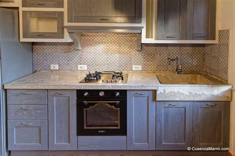 piano lavello cucina piano cucina top cucina in pietra massello con fronte rustico