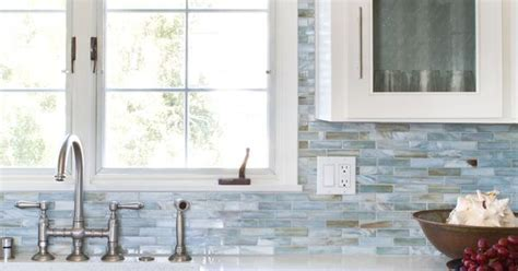 Glass mosaic backsplash: Agate in Lucca Pearl by Lunada
