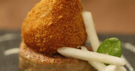cuisiner andouillette poire rôtie en robe de d 39 épices andouillette et