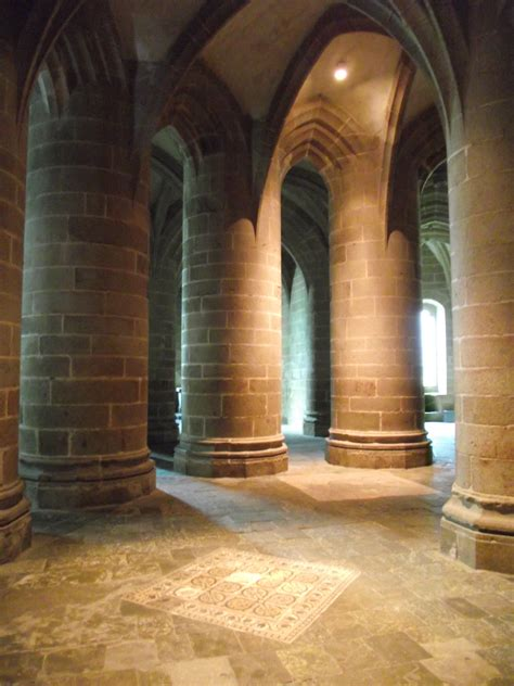 file abbaye du mont michel crypte des gros piliers jpg wikimedia commons