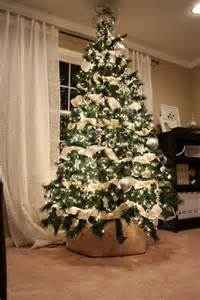 trends to decorate your christmas tree 2017 2018 how