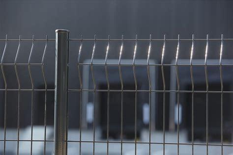 poteau de grillage en acier galvanis 201 plastifi 201 h 1 25 m brico d 233 p 244 t