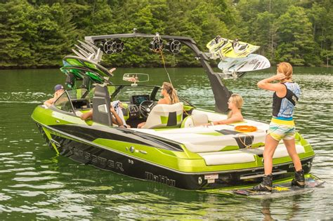 Malibu Boats Ceo by Malibu Introduces The All New Wakesetter 22 Vlx For 2015