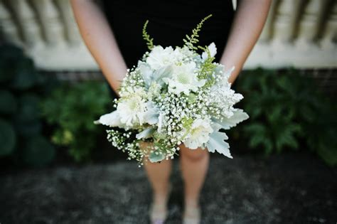 white wedding flowers  love asilbe babys breath