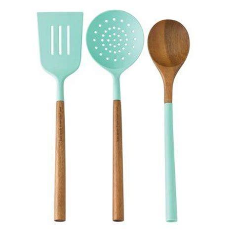 country kitchen utensils best 25 aqua kitchen ideas on country kitchen 2920