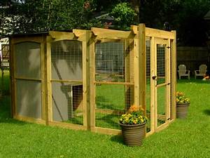 How to build a dog run with attached doghouse how tos diy for How much does it cost to build a dog house
