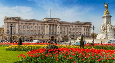 Buckingham palace is easily accessible off our main routes. The History of Buckingham Palace