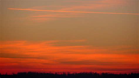 sonnenuntergang roter himmel kostenloses hintergrundbild