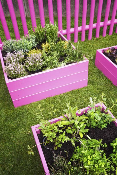 remodelaholic  raised garden bed ideas