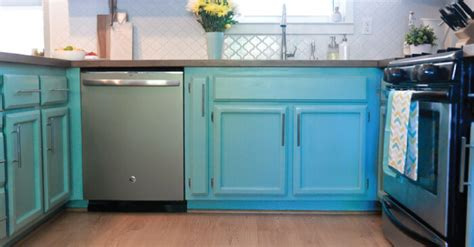 latex paint on cabinets how to paint cabinets using latex paint and a paint