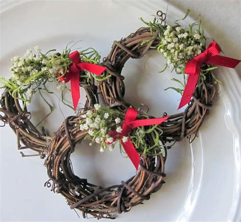 natural grapevine wreath napkin rings   pack