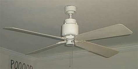 how do you tell if your ceiling fan is going clockwise or
