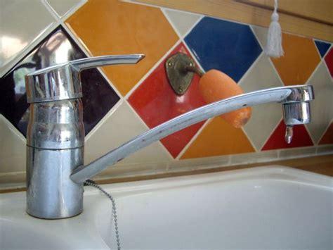 robinet cuisine qui fuit réparer un robinet qui fuit maisonapart