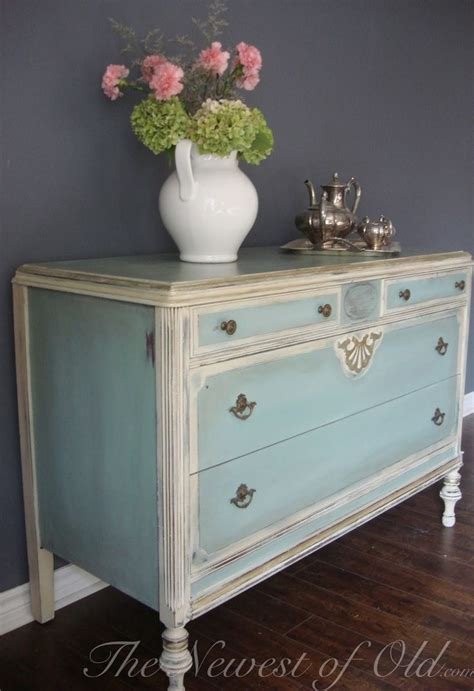 the newest of old lyla love the look shabby chic
