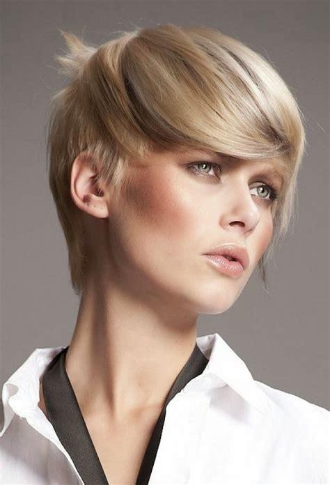 Zazdrościmy innym dziewczynom zadziornych krótkich włosów. Life&Style: Trendy 2015..krótkie fryzury