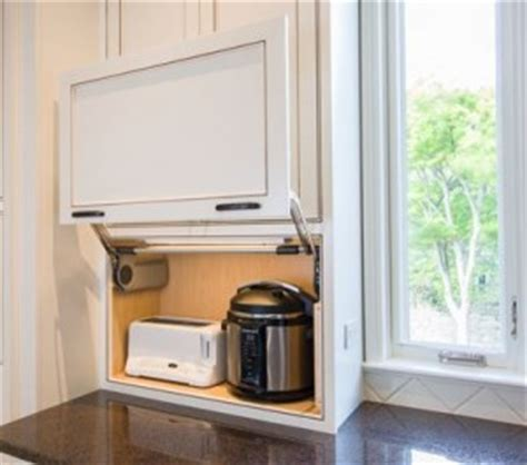Best Appliances & Design Elements for Small Kitchens