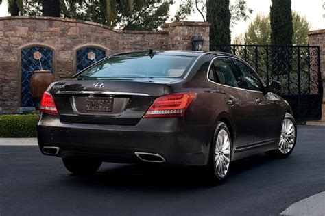 Hyundai Genesis Vs Equus 2015 hyundai genesis vs 2015 hyundai equus what s the