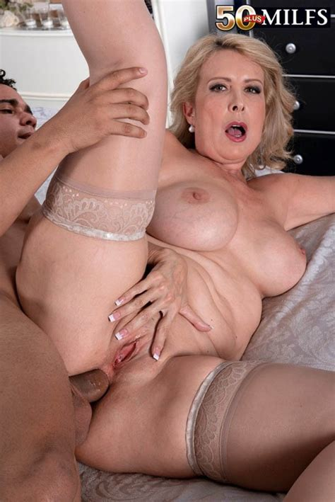 Anal Fuck For An Older milf With Nice Ass Pichunter