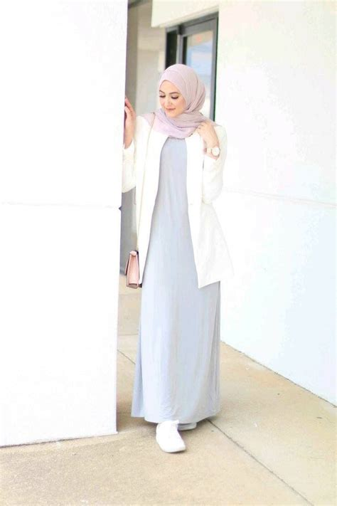 simple outfits light gray dress white cardigan soft