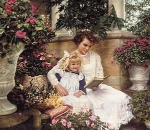 Мама читает сказку ребенку