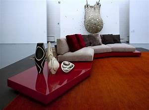 deco salon en couleur rouge quelques idees magnifiques With tapis d entrée avec coussin de luxe pour canapé