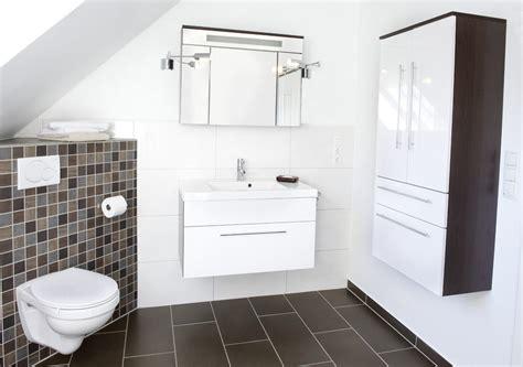 Kleines Bad Kostengünstig Renovieren by Leistungen Haus Wohnung Badezimmer Renovieren