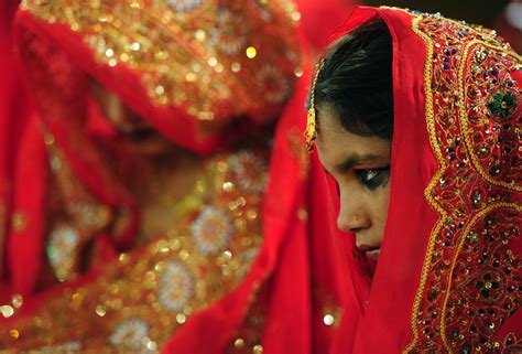 men  stepping   fight child marriage  pakistan