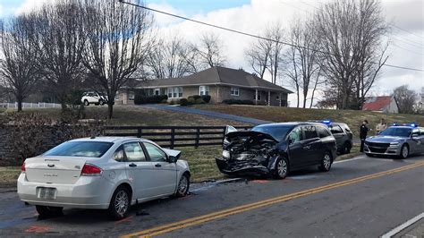 children hospitalized  vehicle crash  warren