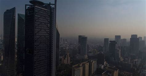 mexico citys residents  engulfed   thick haze