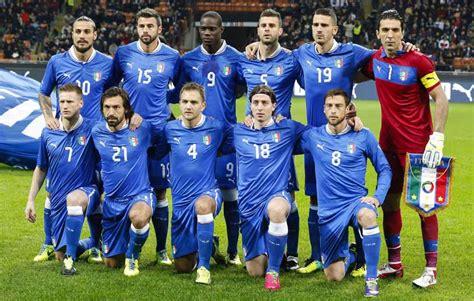 Italien gehörte von beginn an zu den großen fußballnationen auf dem europäischen kontinent. Italien: Dem viermaligen Weltmeister gelang 2006 die große ...