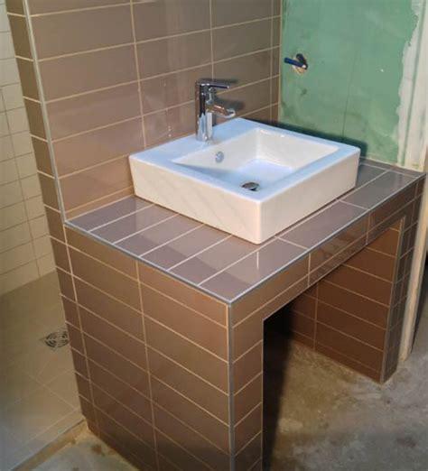 si鑒e de salle de bain meuble salle de bain carrelé