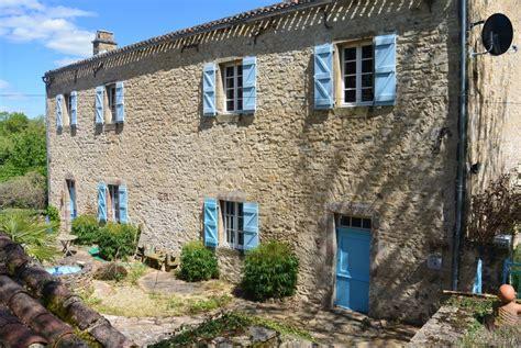 maison 224 vendre en midi pyrenees aveyron najac l ancienne 233 cole de couvent transform 233 d une