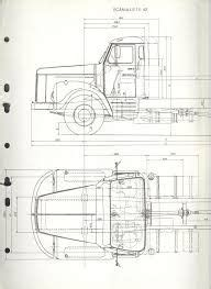 The casting has a tow hitch in the back, designed to hook up with a trailer for transport. Kenworth K100 Blueprints : Kenworth Toy Truck Plans | Wow Blog : This 1980 kenworth book details ...
