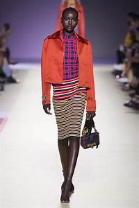 La Mode Est A Vous Printemps Ete 2018 : d fil versace pr t porter printemps t 2019 milan elle ~ Farleysfitness.com Idées de Décoration