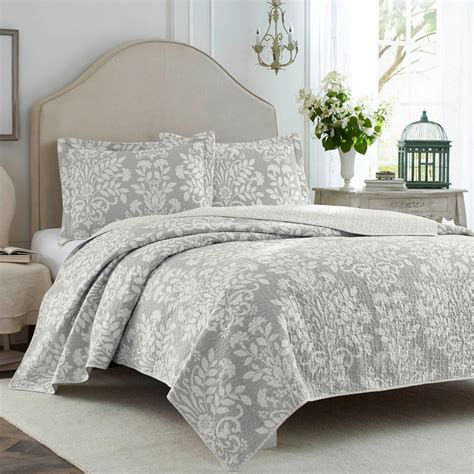 Grey King Coverlet by Rowland 3 Grey King Quilt Set 221804