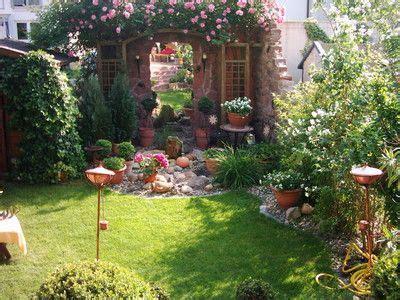 gartengestaltung toskana stil toskana im reihenhausgarten garten reihenhausgarten schmaler garten und garten
