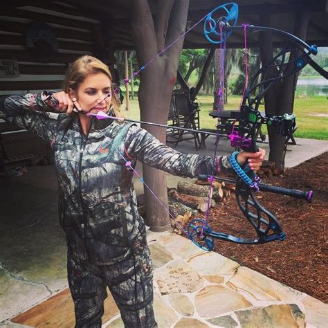 womans world female bowhunters   rise
