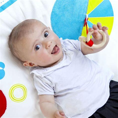 tapis d 233 veil bio bleu deuz jeux jouets enfants loisirs enfant smallable