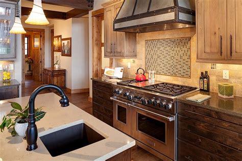 cuisine maison bois maison en bois traditionnelle dans les montagnes aux usa