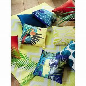 Coussin Maison Du Monde : coussin jaune imprim tropical 45x45 toucan maisons du monde ~ Dode.kayakingforconservation.com Idées de Décoration